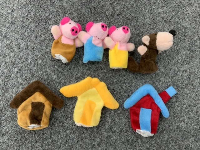 Not 3 but 4 Little Pigs Finger Puppets with houses and wolf