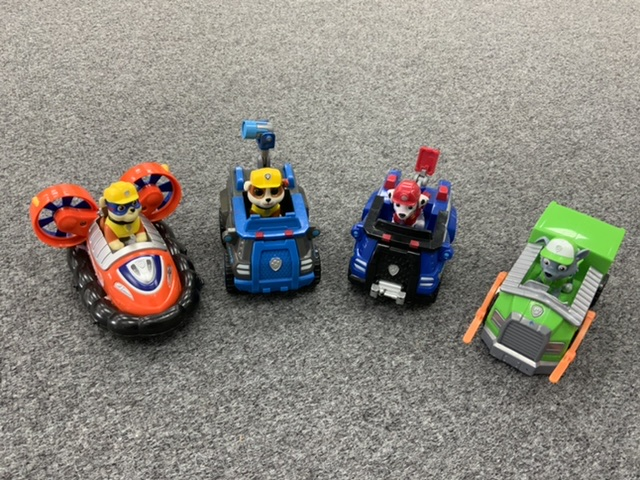 Paw Patrol - 4 vehicles and four dogs